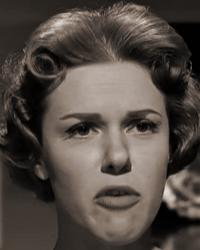Please Turn Over (1959) screenshot (4) | June Jago