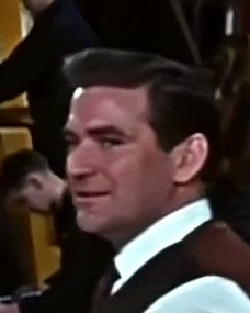 The VIPs (1963) opening credits (9)