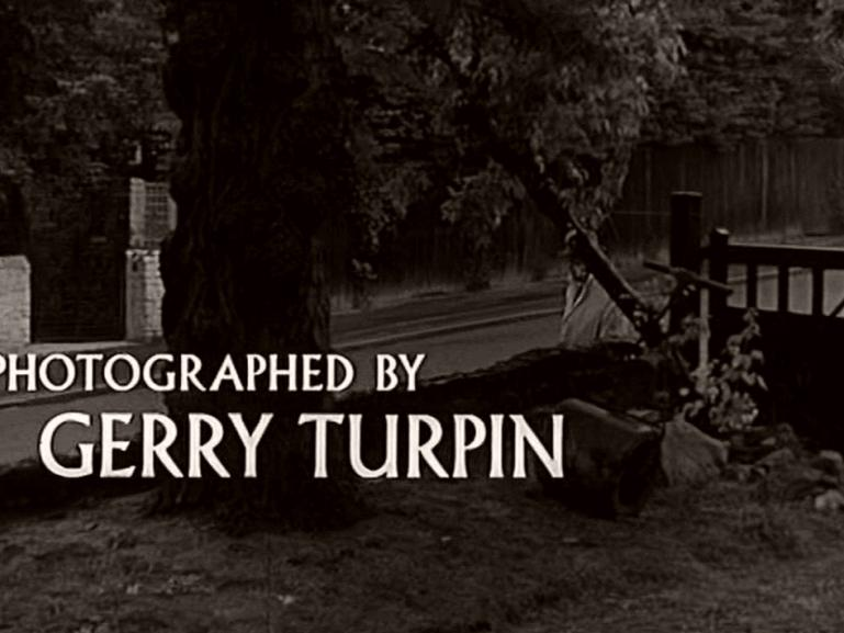 Main title from Seance on a Wet Afternoon (1964) (13)