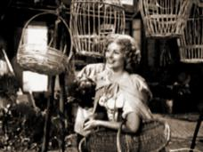 Screenshot from Cardboard Cavalier (1949) (2)