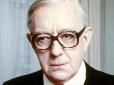 Photograph from Tinker Tailor Soldier Spy (1979) featuring Alec Guinness (as George Smiley) (1)