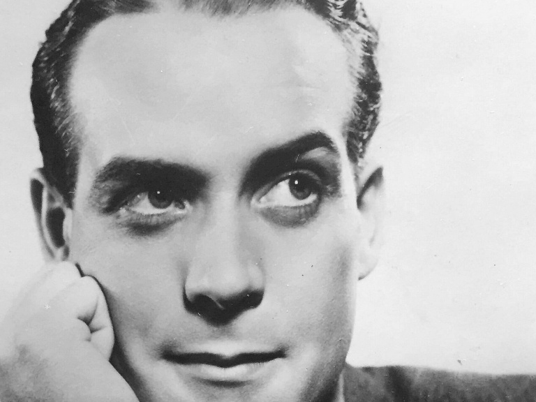 Photograph of English actor, Barry K Barnes (1)