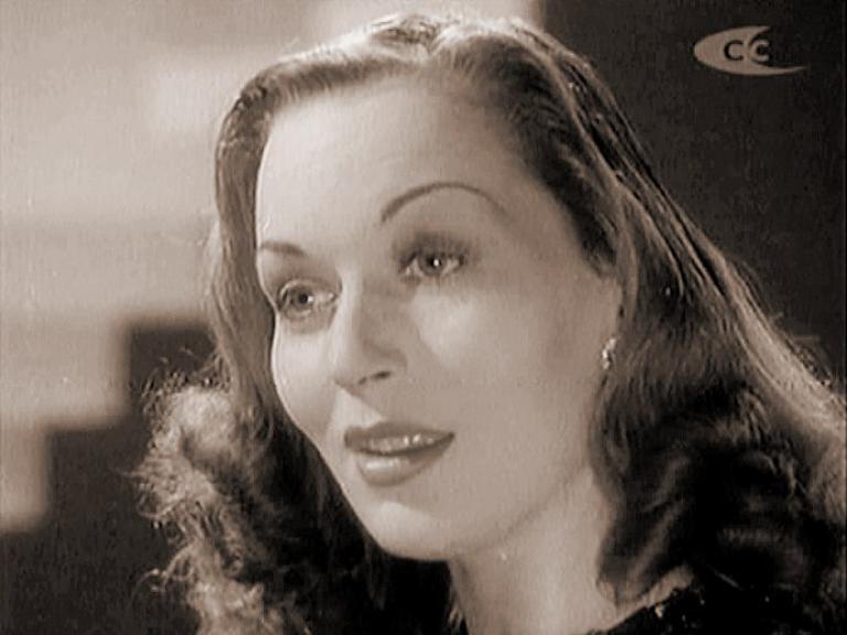 Greta Gynt (as Elsie Silver) in a screenshot from Mr. Emmanuel (1944) (4)
