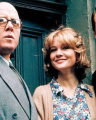 Christie (Richard Attenborough), Beryl Evans (Judy Gleeson) and Timothy Evans (John Hurt) in a scene from the 1971 film, 10 Rillington Place