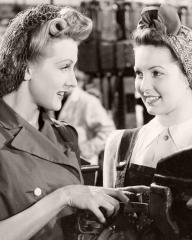 Anne Crawford (as Jennifer) and Patricia Roc (as Celia) in a photograph from Millions Like Us (1943) (1)