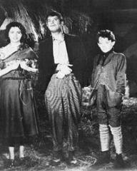 Photograph from The Beloved Vagabond (1936) (4)
