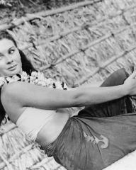 Jean Simmons (as Emmeline Foster) in a photograph from The Blue Lagoon (1949) (6)