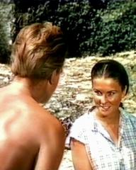 Donald Houston (as Michael Reynolds) and Jean Simmons (as Emmeline Foster) in a screenshot from The Blue Lagoon (1949) (2)