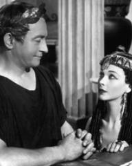 Claude Rains (as Julius Caesar) and Vivien Leigh (as Cleopatra) in a photograph from Caesar and Cleopatra (1945) (1)