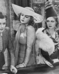 Margaret Lockwood (as Leslie James), Lilli Palmer (as Clytie Devine) and Renée Houston (as Gloria Lind) in a photograph from A Girl Must Live (1939) (12)