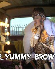 Screenshot from the 'Mr Yummy Brownie' (1986) episode of Girls on Top (1985-86) (12)