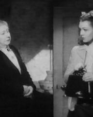 Renee Gadd (as Mrs Parsons) and Jean Kent (as Gwen Rawlings) in a screenshot from Good-Time Girl (1948) (4)