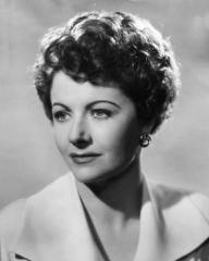 Margaret Lockwood (as Frances Gray) in a photograph from Highly Dangerous (1950) (14)