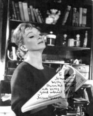 Joan Greenwood (as Hedda Gabler) in a photograph from Hedda Gabler (1960)