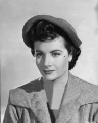 Margaret Lockwood (as Lydia Garth) in a photograph from Madness of the Heart (1949) (17)