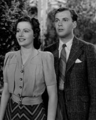 Margaret Lockwood (as Janet Royd) and Derek Farr (as Dallas Chaytor) in a photograph from Quiet Wedding (1941) (2)