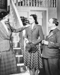 Margaret Lockwood (as Janet Royd) in a photograph from Quiet Wedding (1941) (6)