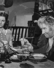 Margaret Lockwood (as Mary Shaw) and Will Fyffe (as John Shaw) in a photograph from Rulers of the Sea (1939) (13)