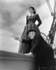 Margaret Lockwood (as Mary Shaw) and Will Fyffe (as John Shaw) in a photograph from Rulers of the Sea (1939) (15)