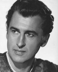 Stewart Granger (as Commander Claudius) in a photograph from Salome (1953) (6)