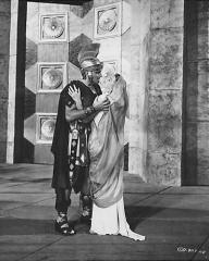 Stewart Granger (as Commander Claudius) in a photograph from Salome (1953) (7)