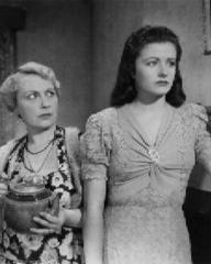 Nancy Price (as Martha Fenwick) and Margaret Lockwood (as Jenny Sunley) in a photograph from The Stars Look Down (1940) (5)