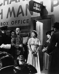 Photograph from The Street Singer (1937) (6) featuring Arthur Tracy and Margaret Lockwood