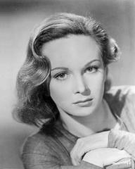 Joan Greenwood (as Lottie Smith) in a photograph from The White Unicorn (1947) (16)