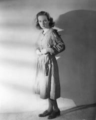 Joan Greenwood (as Lottie Smith) in a photograph from The White Unicorn (1947) (17)