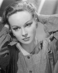 Joan Greenwood (as Lottie Smith) in a photograph from The White Unicorn (1947) (7)