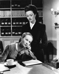 Joan Greenwood (as Lottie Smith) and Margaret Lockwood (as Lucy) in a photograph from The White Unicorn (1947) (98)