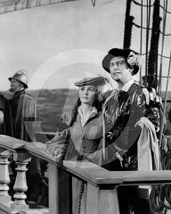 Jean Simmons (as Young Bess) and Stewart Granger (as Thomas Seymour) in a photograph from Young Bess (1953) (3)