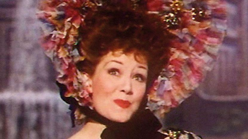 Screenshot from Trottie True (1949) (1) featuring Jean Kent