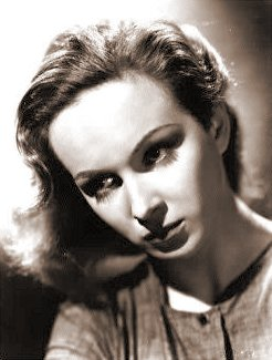 Joan Greenwood (as Lottie Smith) in a photograph from The White Unicorn (1947) (5)