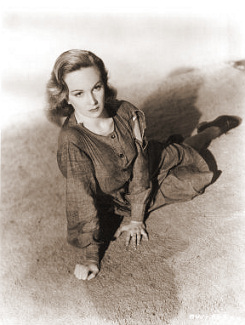 Joan Greenwood (as Lottie Smith) in a photograph from The White Unicorn (1947) (8)