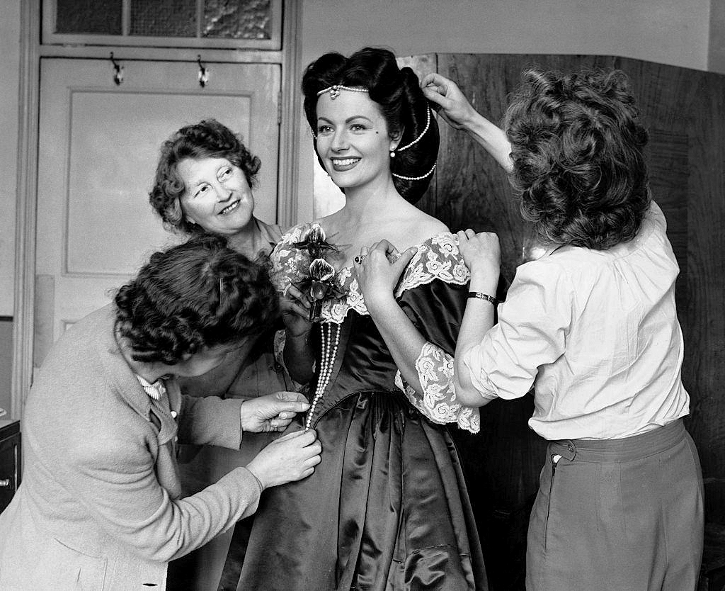 Photograph from The Wicked Lady (1945) (13)