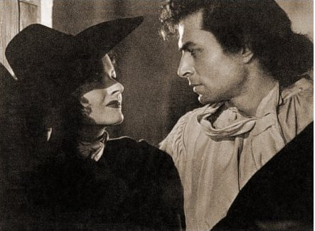 Margaret Lockwood (as Barbara Worth) and James Mason (as Capt Jerry Jackson) in a photograph from The Wicked Lady (1945) (9)