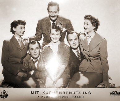 German lobby card from Young Wives' Tale (1951) (5)